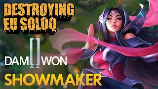 Destroying EU SoloQ: Damwon ShowMaker - Irelia Mid Lane - KDA 15/1/7