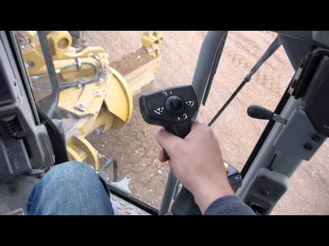How the controls work - Cat 14M with trmble dual GPS