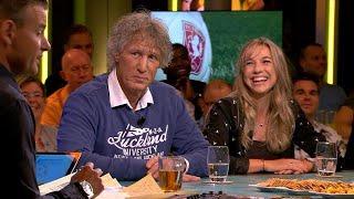 Jackie Groenen corrigeert Wilfred: ''Je stelt dezelfde vragen'' - VI ORANJE BLIJFT THUIS