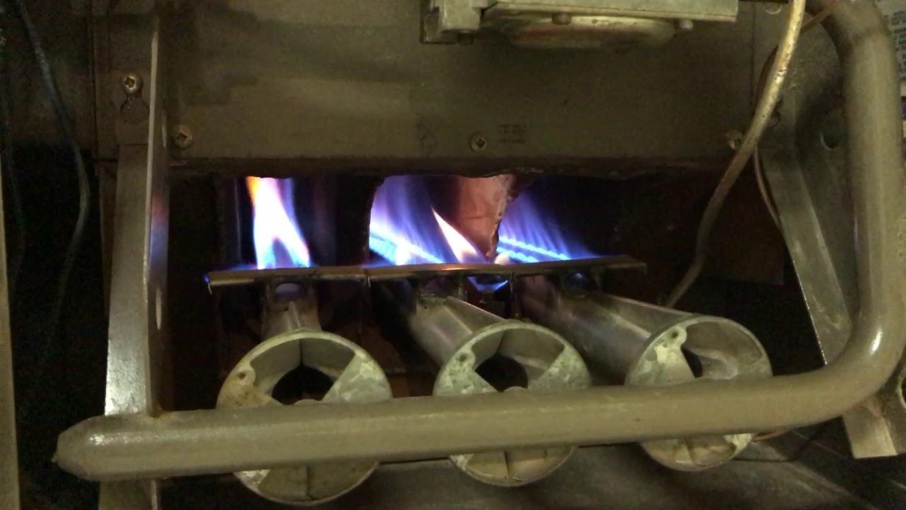 old 1977 lennox gas furnace startup g8d2 82 3  [ 1280 x 720 Pixel ]