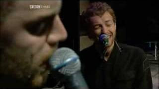 Coldplay - Fix You (Live At Glastonbury)