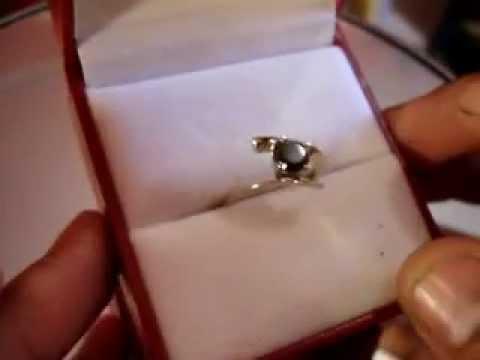 Bright spark предлагает купить кольцо с муассанитом «под крупный бриллиант» весом более трех карат. Камни. Кольцо с бриллиантами и цветочными мотивами althea от 0,5 карат. Кольцо с бриллиантами brooke 1,5 кар.