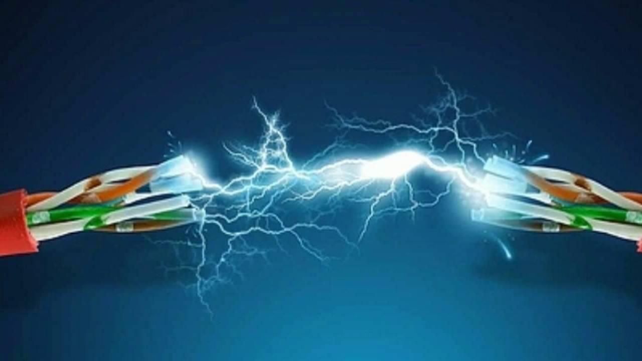 a cu nta velocidad viaja la electricidad por el cable