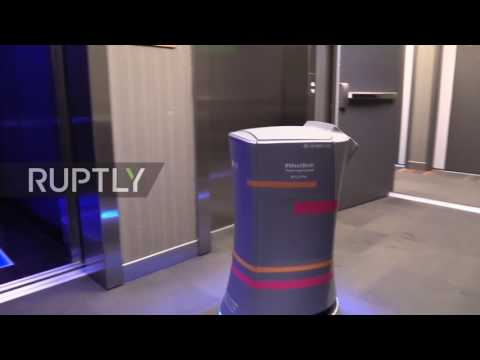 USA: Move over R2D2! Meet Botlr, Silicon Valley's own robotic butler