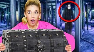 we-found-a-mysterious-treasure-chest-from-game-master-giant-fun-escape-room-in-real-life
