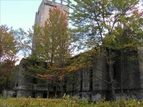 Hancock NY Abandoned Mausoleum Slideshow