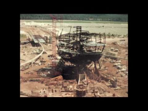 Disney - EPCOT - Spaceship Earth Construction (HD)