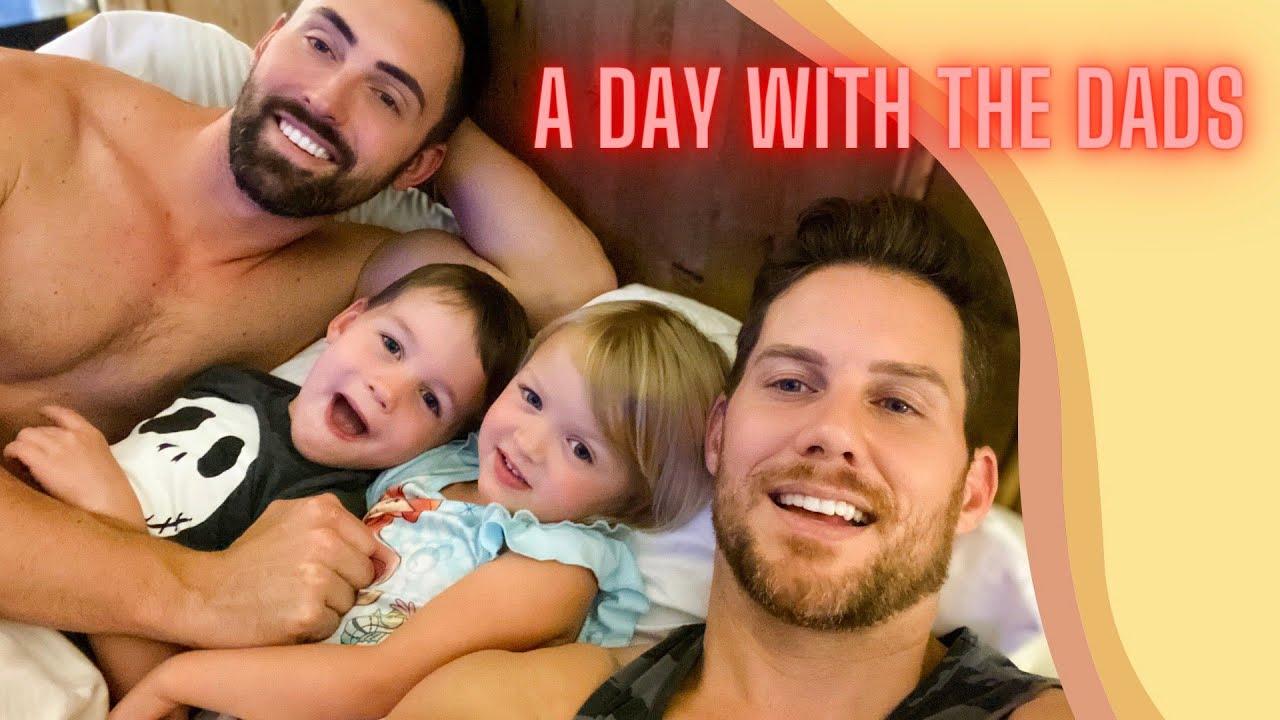 Egy nap az ikrek apukáival