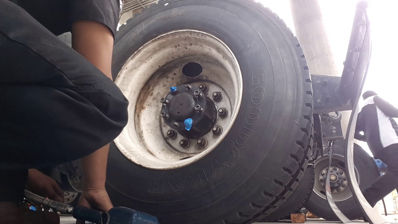 Installing Lug Nuts With Pneumatic Air Gun