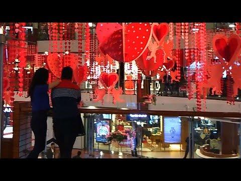 Valentine's Day Hits Delhi - Select CITYWALK