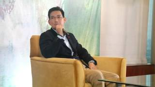 Richard Yap Plays As Vina Morales Childhood Sweetheart