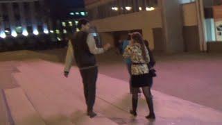 Общение с девушкой на видео. Темы для общения(В этом видео общение с девушками началось с улицы. Милашка болтала по телефону, но я решил не париться по..., 2016-04-27T09:11:55.000Z)