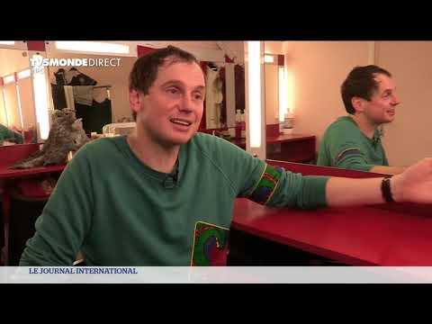 Julien Cottereau, Le Clown-mime Rend En Hommage à Son Grand-père