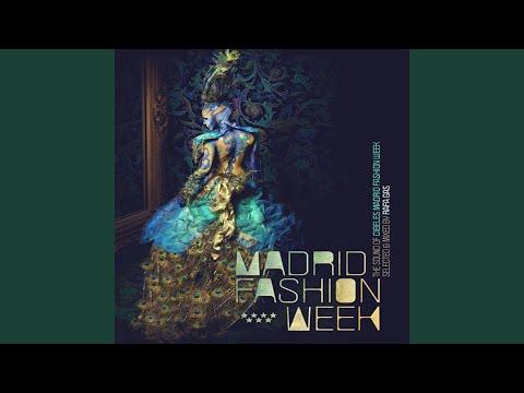 Paradise Circus Gui Boratto Remix