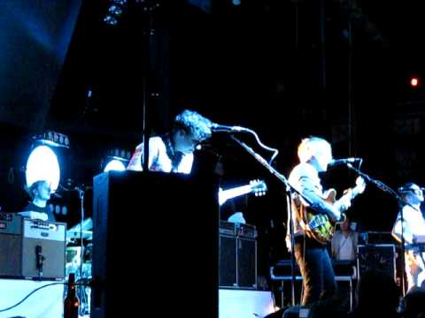 Two Door Cinema Club – Something Good Can Work (Live in Boston, September 2011)