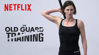 Come Charlize Theron, Luca Marinelli e il cast si sono allenati per The Old Guard