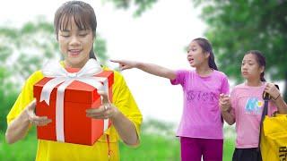 Để Quên Món Quà Tặng Mẹ Ở Quán Nước ❤ Hãy Trung Thực Và Tốt Bụng  - Trang Vlog