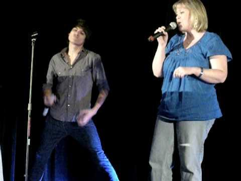 Lori & Kiowa @ karaoke