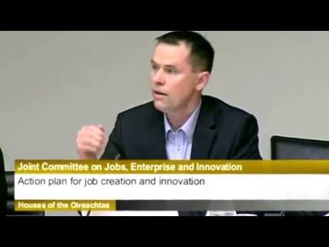 Eoin Costello presents #StartupIreland's strategy to the Oireachtas