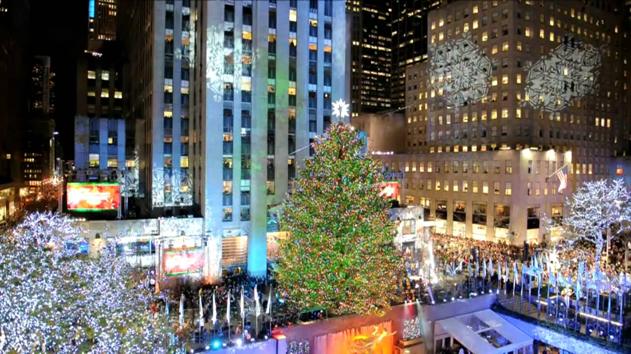 le sapin de no l du rockfeller center s 39 illumine new york youtube. Black Bedroom Furniture Sets. Home Design Ideas
