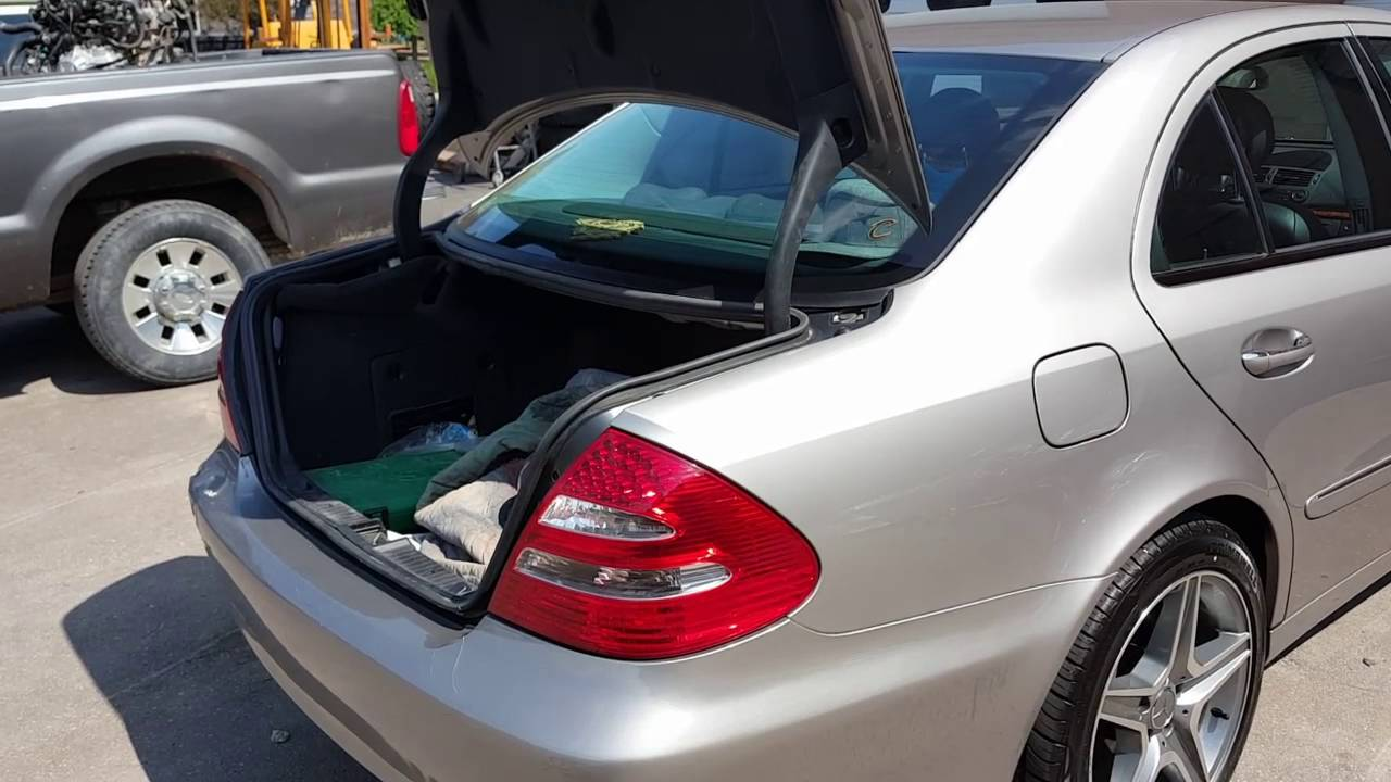 hight resolution of mercedes trunk will not open by key fob or interior swith 3rd brake light not working easy fix youtube