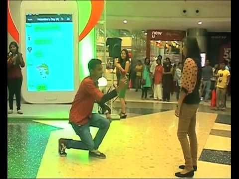 Aww moment! Boy proposes Girl on Valentine's Day
