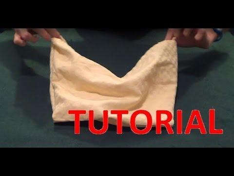 8538bd76d190 SPIEGAZIONE: come creare mutande e reggiseno con un tovagliolo - YouTube
