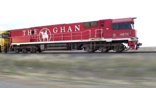 Parallel Running A Freight Train At Pimpinio - Australian Trains, Victoria