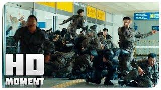 Спасение от толпы зомби на станции - Поезд в Пусан (2016) - Момент из фильма