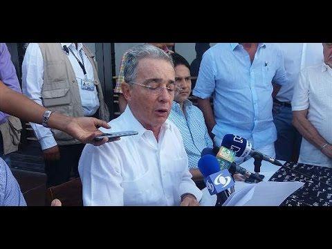 ¿Acierta el NY Times cuando acusa a Uribe de bloquear la paz?
