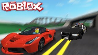 ROBLOX CAR SIMULATOR || MY FERRARI GETS CHASED DOWN BY THE POLICE