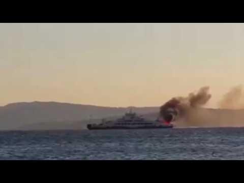 Gelibolu Lapseki feribotunda yangın izle