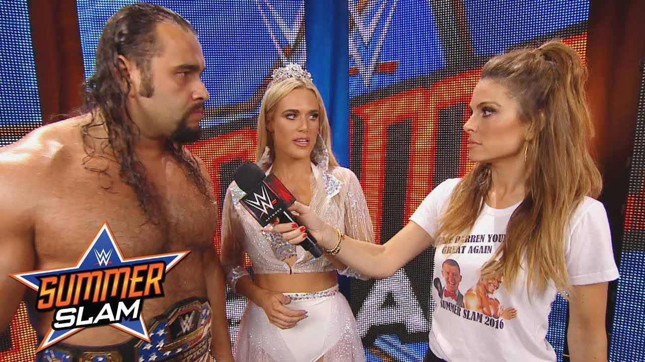 Maria Menounos interviewt den U.S. Champion Rusev ...