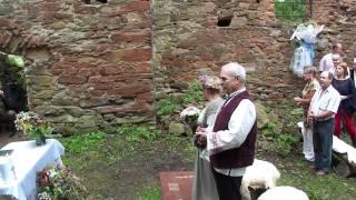 Ślub w ruinach cerkwi Krywe