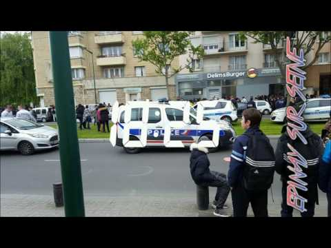La Police Ferme A Cause De La Foule
