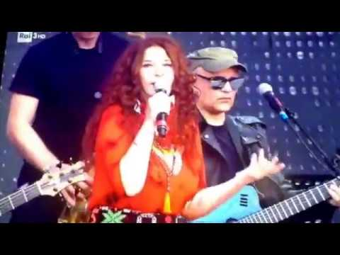 Teresa canta Pino con HER (2)