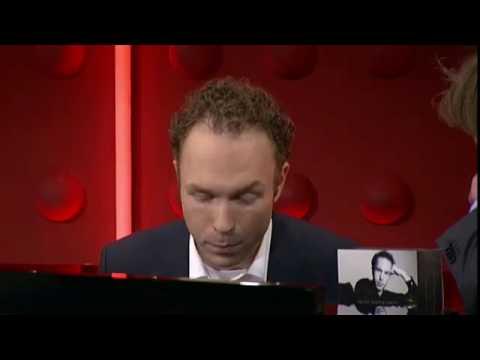 Ralph van Raat speelt piano