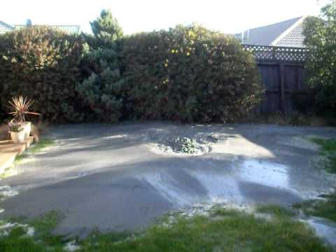Live Liquefaction Action after Christchurch earthquake.AVI