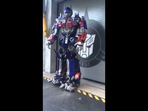 Meeting Optimus Prime