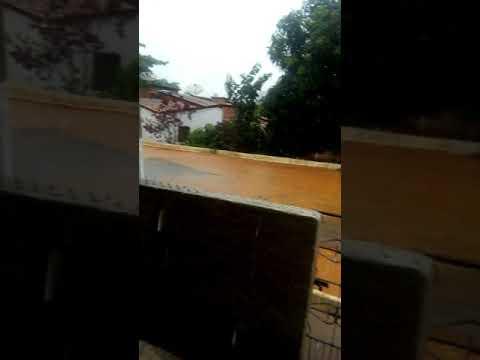Chuva invade casas em Meruoca