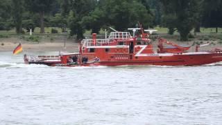 Video Feuerwehrlöschboot 10 2 Köln und RTB 10 2 download MP3, 3GP, MP4, WEBM, AVI, FLV Oktober 2018