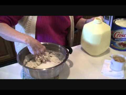 Granny's Southern Cornbread Recipe.wmv