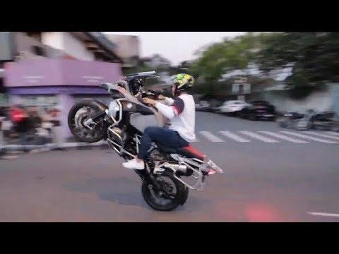 Mc Gui Caiu Com A Bmw E Alemao Desabafa Youtube O cantor, que adora motos, foi tentar fazer uma manobra em uma concentração de motociclistas e acabou se desequilibrando e sofrendo um acidente. mc gui caiu com a bmw e alemao desabafa