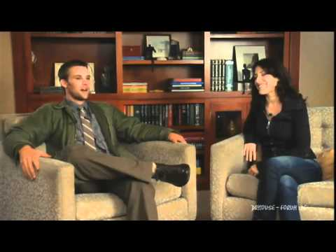 House - Season 7 - 7x13 - 'Two Stories' Fans Ask: Lisa Edelstein & Jesse Spencer [HD]