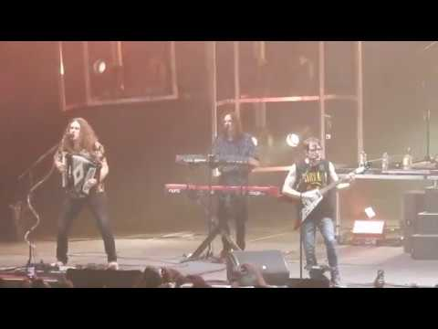 """Weezer + Weird Al Yankovic Live Toto's """"Africa"""" @ The Forum Los Angeles August 8, 2018"""