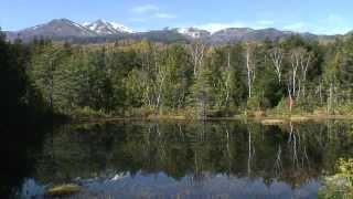 長野県 乗鞍高原 牛留池と乗鞍岳の紅葉