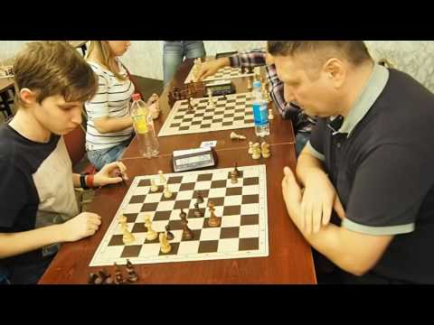 GM Novik ( black) chess blitz