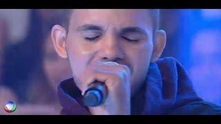 Domingo Show Erick Manzotti canta