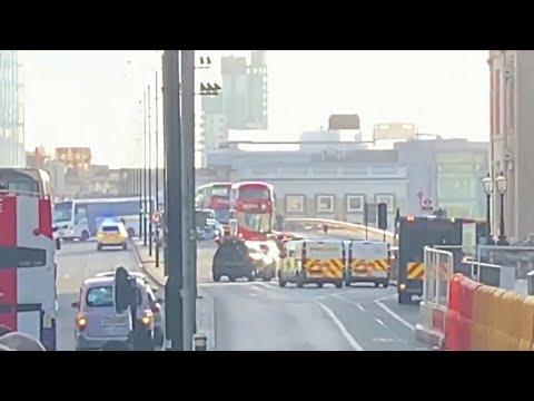Срочные новости приходят из Лондона: в центре города неизвестный напал с ножом на людей.