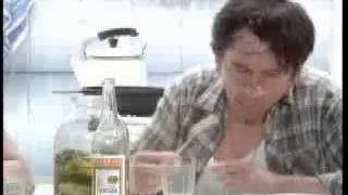 МММ 90-х (рекламные ролики с Лёней Голубковым)(Забавное видео эпохи 90-х. Так строились первые пирамиды в современной России., 2013-05-11T12:15:12.000Z)